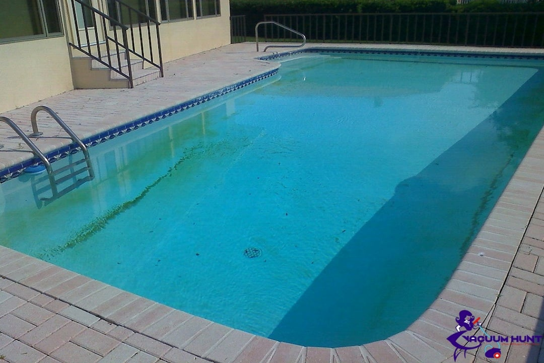 How to clear cloudy pool water vacuum hunt - What makes my swimming pool water cloudy ...