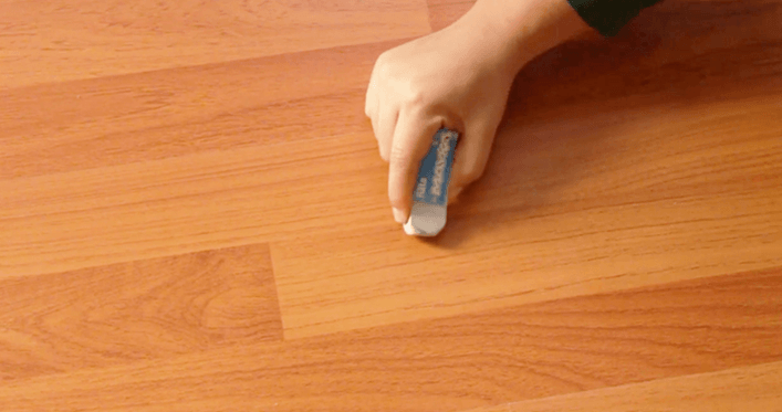 How to Remove Residue from Laminate Floors