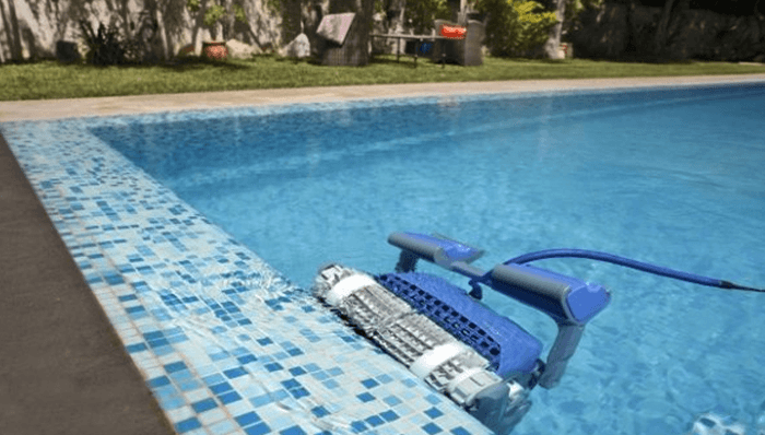 How Does an Automatic Pool Cleaner Work